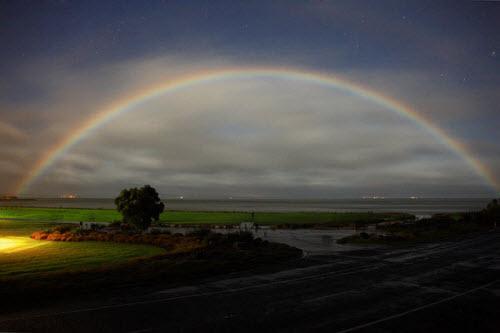 Moonbow Photography –  عکس هایی باشکوه از رنگین کمان های قمری