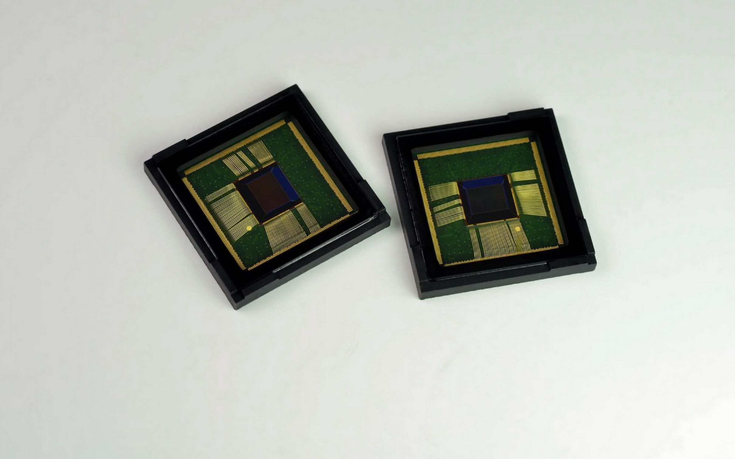 1. ISOCELL_CMOS-01
