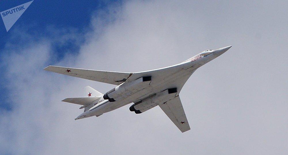 توپولوف TU-160