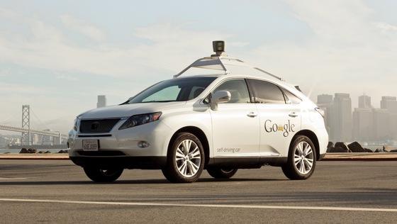 خودروی بدون راننده ی گوگل با تأیید فرماندارکالیفرنیا از این به بعد به صورت قانونی در خیابان ها حرکت می کند