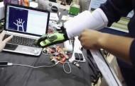 دستکش هایی که دنیای مجازی را به واقعیت تبدیل می کند