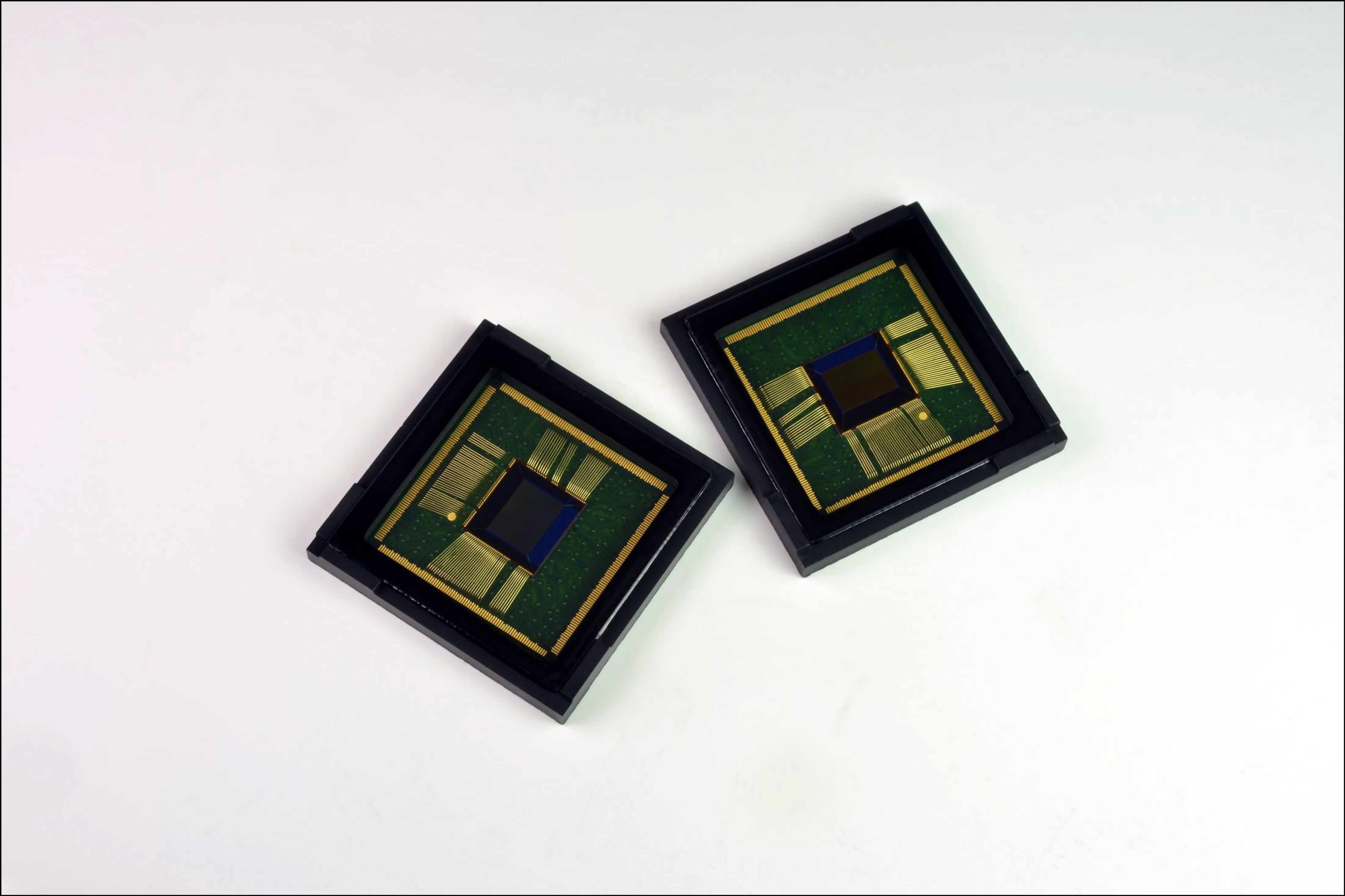 2. ISOCELL_CMOS-02