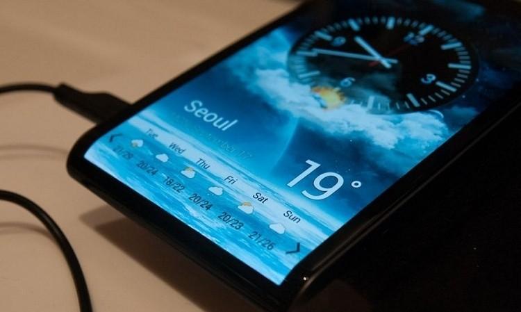 LG شروع به تولید انبوه نمایشگر 6 اینچی انعطاف پذیر گوشی های هوشمند کرده است.