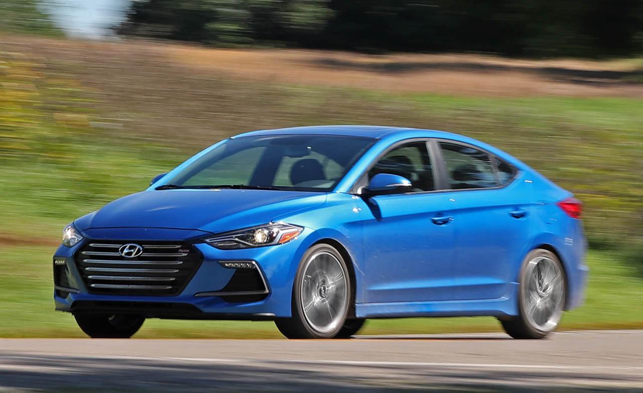 بررسی خودروی ۲۰۱۷ Hyundai Elantra Sport