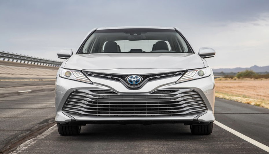 تجربه رانندگی با تویوتا کمری مدل 2018 + مشخصات فنی