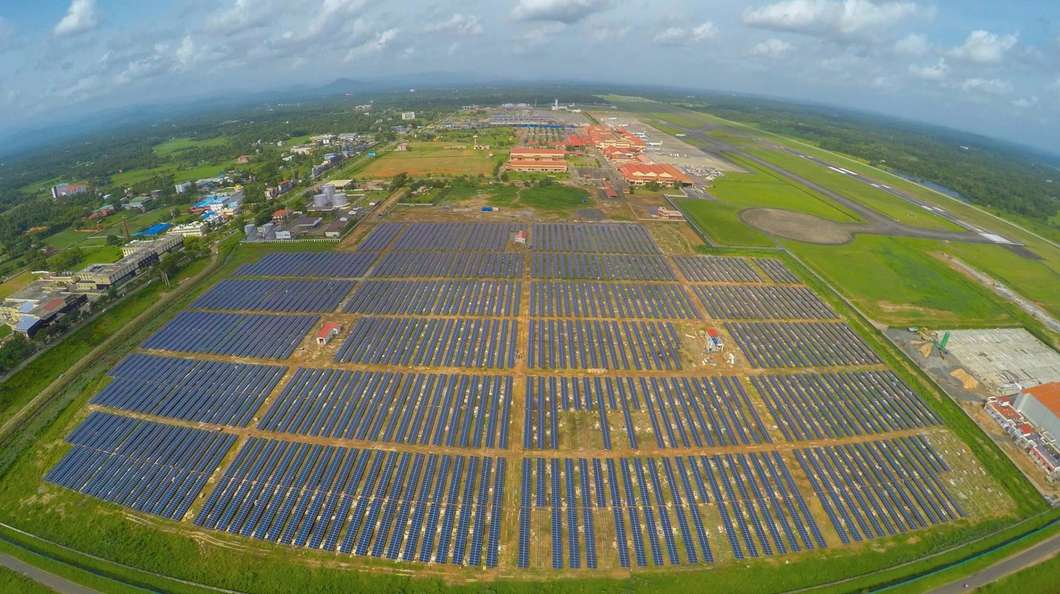 اولین فرودگاه بین المللی با سیستم مصرفی کامل خورشیدی