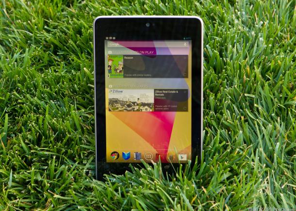تبلت Nexus 7 چگونه توانست پشت رقبای دیگر خود را به خاک بمالد ؟