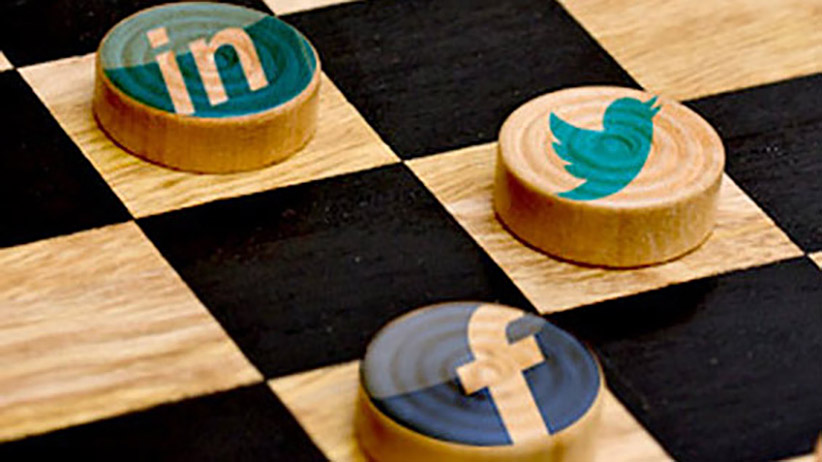 چگونه بازاریاب های رسانه های اجتماعی می توانند توجه را به عمل تبدیل کنند
