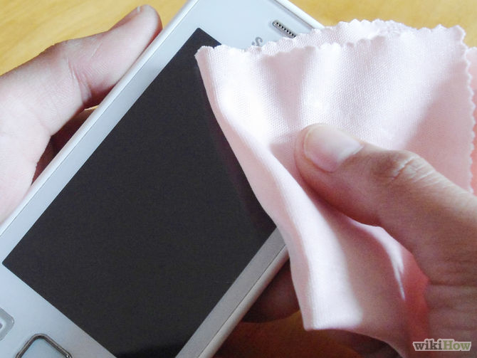 آموزش تمیز کردن صفحه نمایش های لمسی