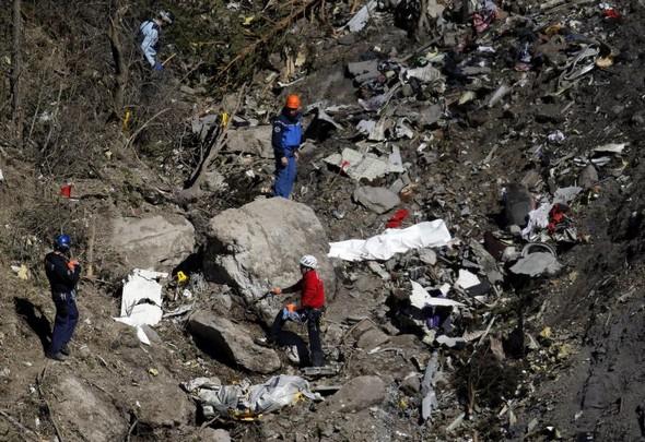 ایرباس A320 ژرمن وینگز توسط کمک خلبان سقوط کرد