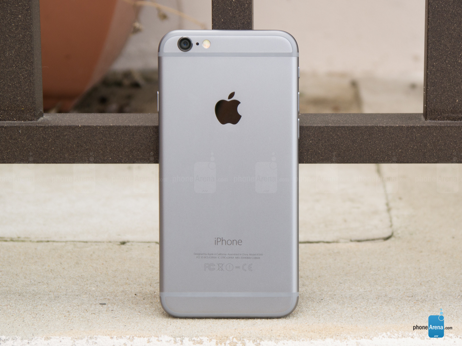 Apple-iPhone-6-Review-009