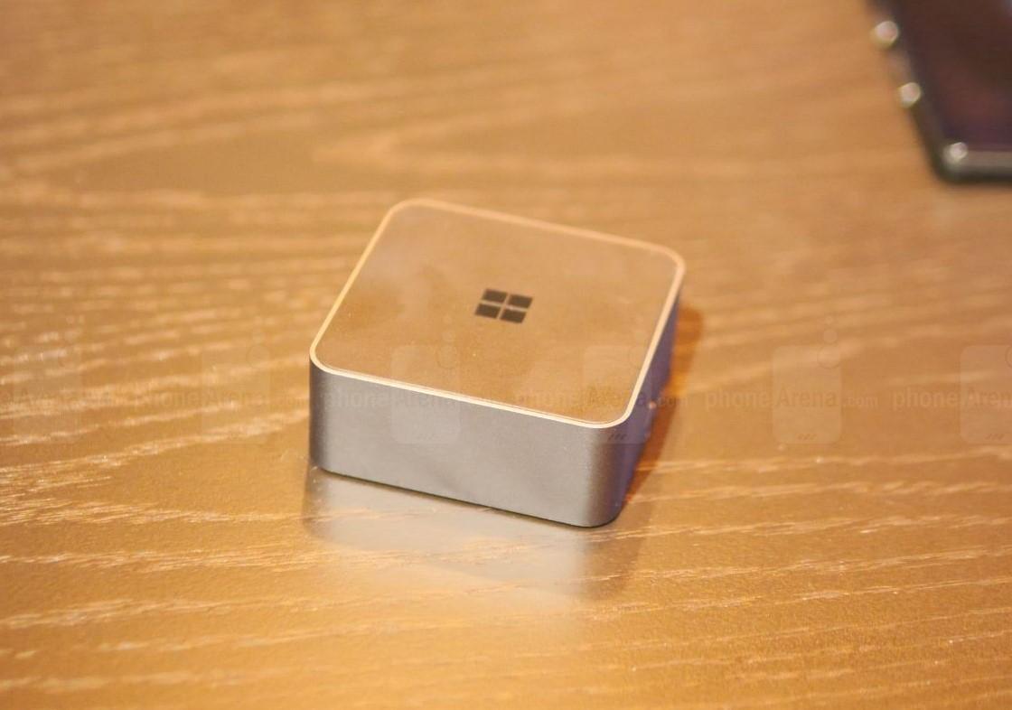 بررسی Microsoft Display Dock و معرفی قابلیت Continuum
