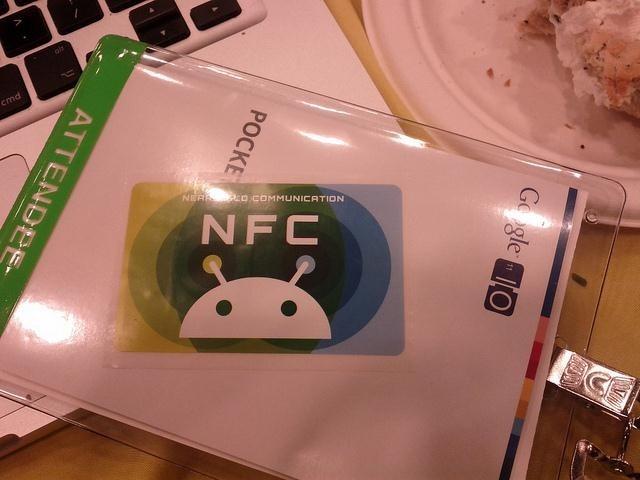 HTG توضیح می دهد: NFC چیست و از آن برای چه کاری می توانم استفاده کنم؟