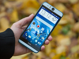HTC-Desire-EYE-Review-01