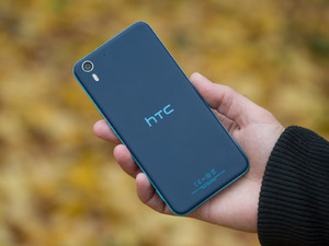 HTC-Desire-EYE-Review-02
