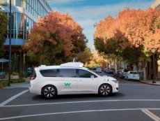 heres-googles-new-self-driving-minivan
