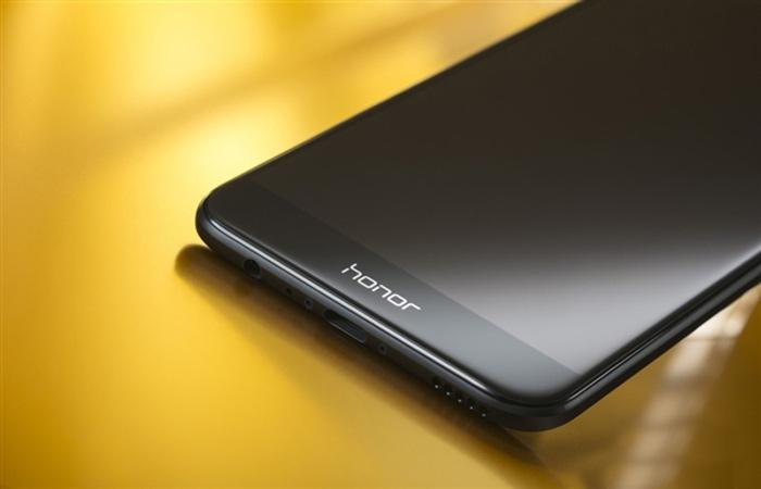 گوشی پرچمدار آنر وی ۹ هوآوی در ۱۶ فروردین برای عرضه جهانی معرفی خواهد شد
