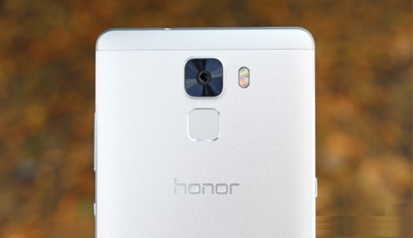 huawei-honor-7-vs-htc-a9-6