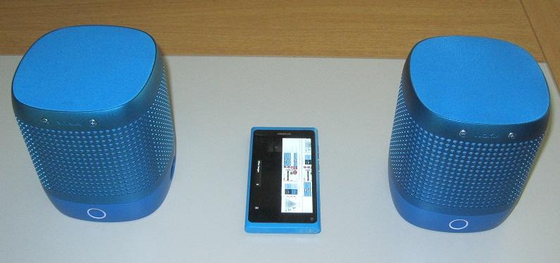 گوشی نوکیا N9 به همراه اسپیکر NFC Nokia 360