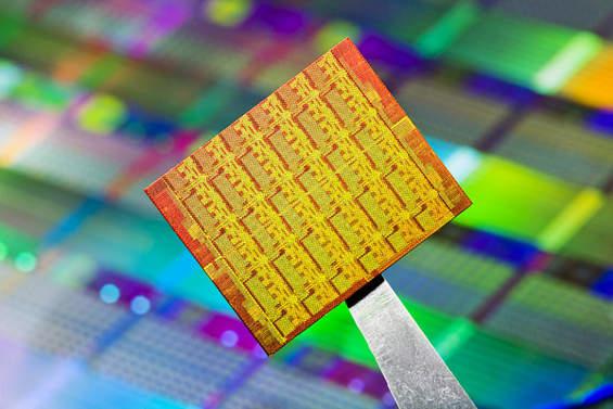 Apple و استفاده از پردازنده های AMD به جای محصولات Intel