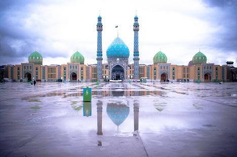 مسجد جمکران (برای دیدن تصویر در اندازه اصلی و با حجم 11.2 مگابایت بر روی آن کلیک نمایید)