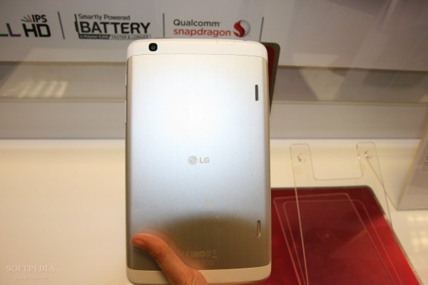 LG-G-Pad-8-3-Tablet-Hands-On-398174-4