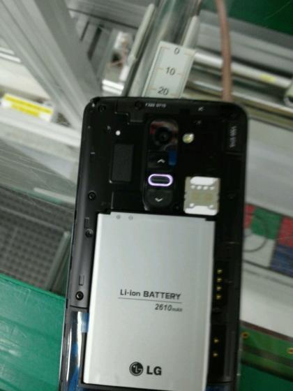 LG-G2-Leaks-in-New-Photos-Shows-2610mAh-Battery-370538-3