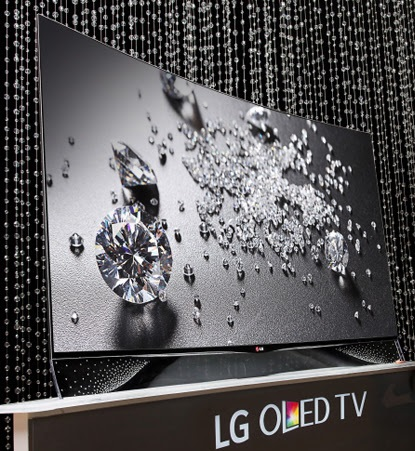 LG Swarovski OLED model