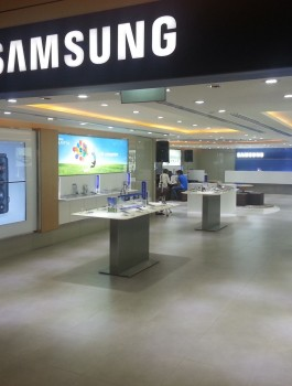 Samsung-Experience-Store-opens-in-Paragon-to-provide-consumers-with-best-environment-to-experience-Samsungs-latest-innovations