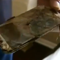 Samsung-Galaxy-S4-catches-fire-under-the-pillow-of-a-13-year-old-girl.jpg