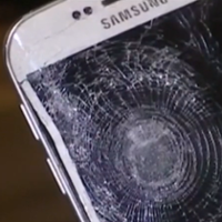 Samsung-Galaxy-S6-edge-saves-mans-life-during-Paris-terrorist-attacks.jpg