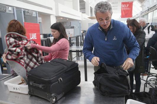 ترس فرودگاه های امریکا از باتری موبایل و تبلت