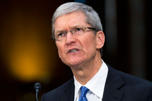 Tim-Cook-Accuses-Microsoft-of-Copying-Apple-s-Strategy-Bloomberg-384458-2