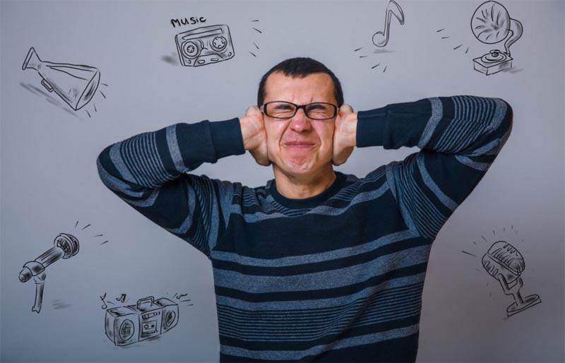 مرگ سلول های شنوایی بر اثر گوش دادن به موسیقی با صدای بلند