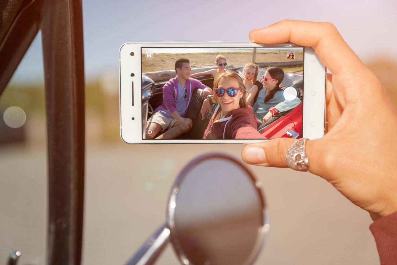 لنوو گوشی هوشمند Vibe P1 را با باتری عظیم ۵۰۰۰mAh معرفی کرد