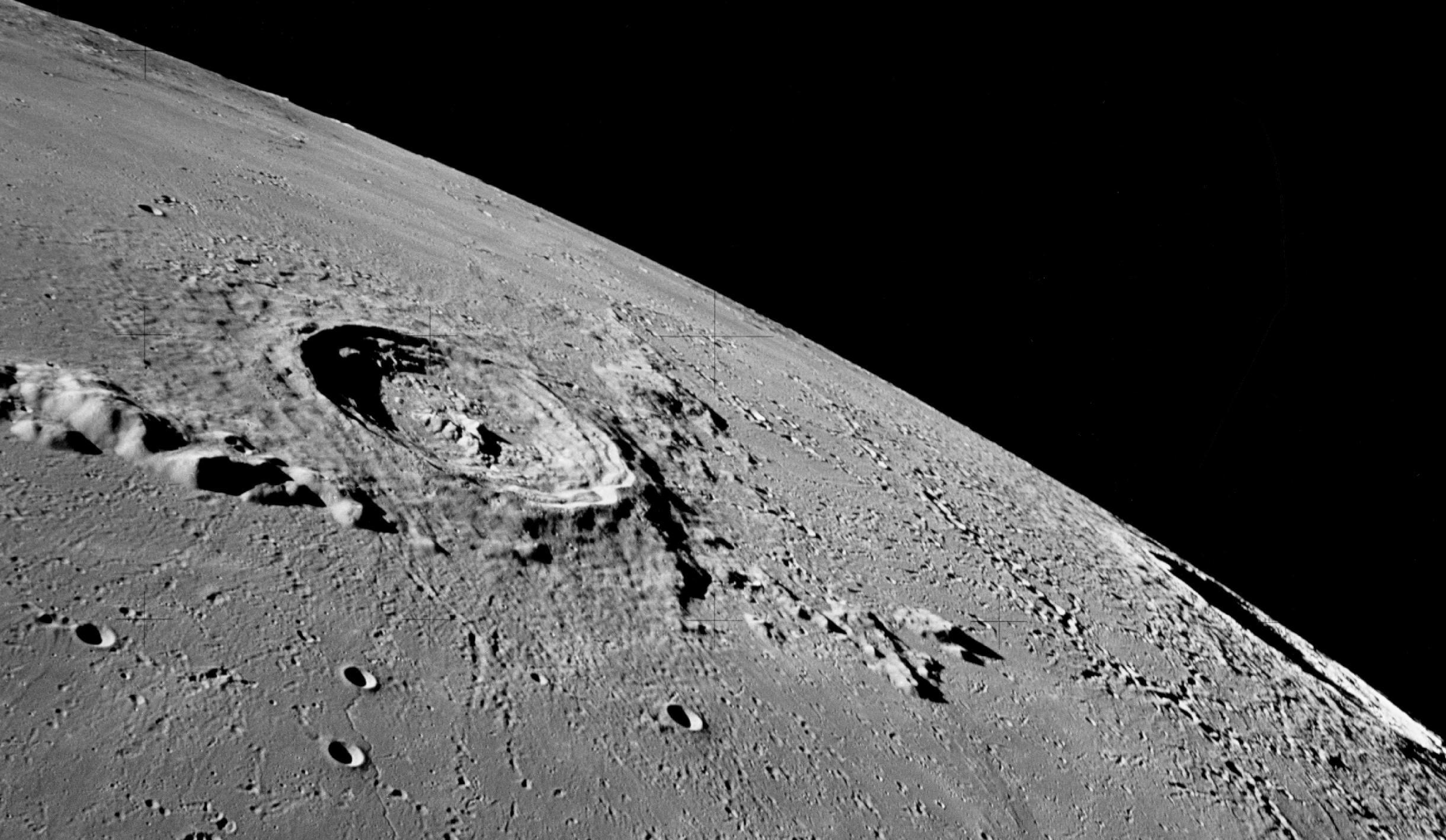 ارائه نظریه وجود آب در ماه برای باری دیگر