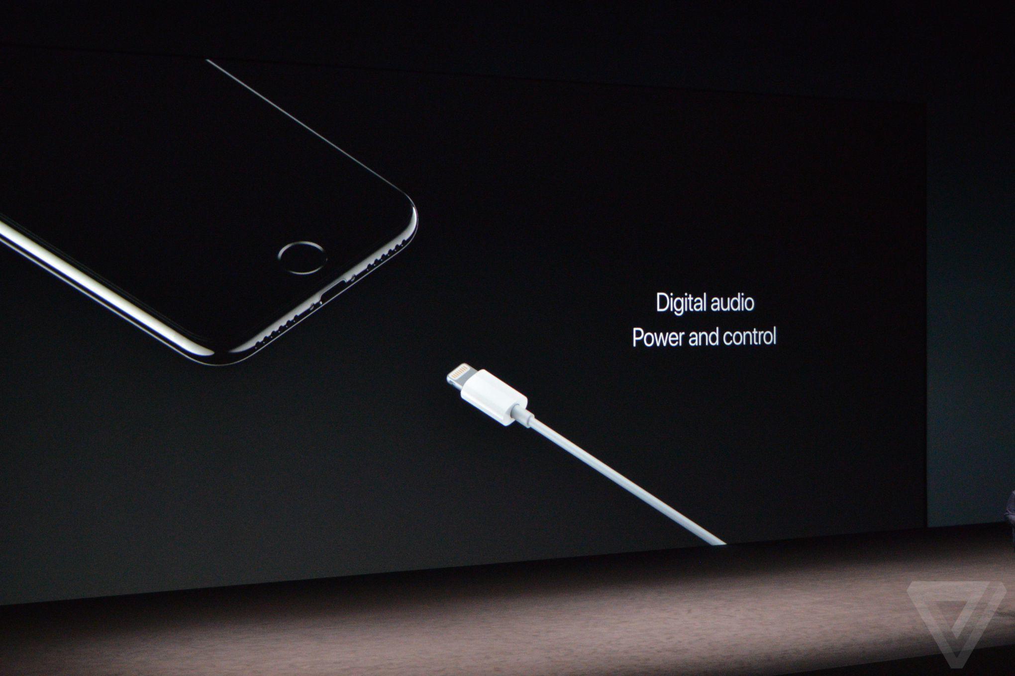 جک  ۳٫۵ میلیمتری از اپل حذف شد