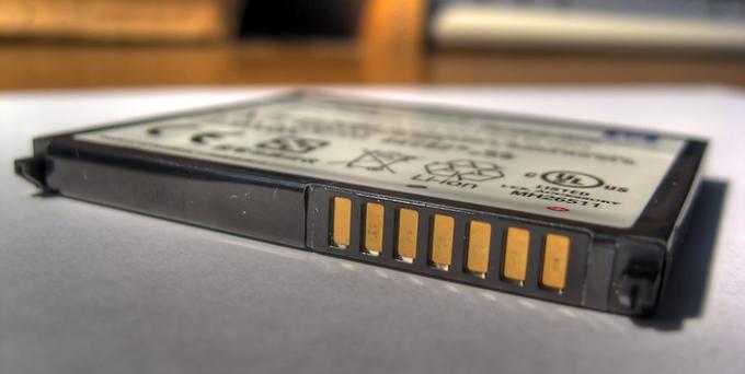 چگونه از باتری لیتیوم یون گوشی های هوشمند خود درست مراقبت کنیم