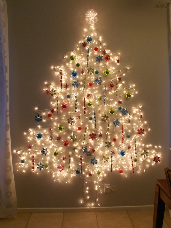 christmas-tree-wall-lights