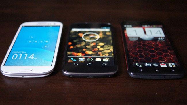 مقایسه وضوح صفحه نمایش گوشی های DROID DNA و Nexus 4 و Galaxy S3
