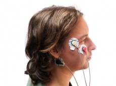 صرفه جویی در مصرف نور هنگام پلک زدن
