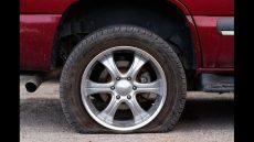 هنگام رانندگی با لاستیک پنچر یا ترکیده، این نکات را رعایت کنید