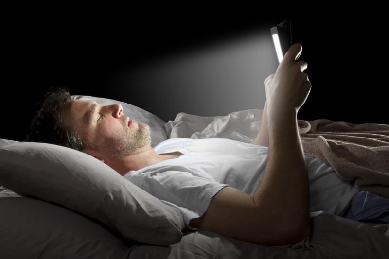 روشی برای حذف تاثیر منفی گوشی همراه در کیفیت خواب