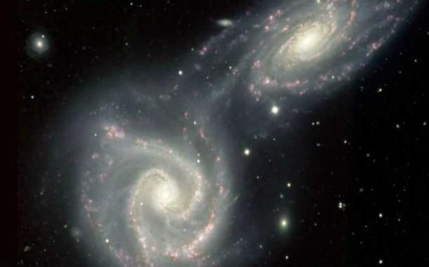 زیر سوال رفتن نظریه گرانش انیشتین توسط یک حلقه عظیم کهکشانی