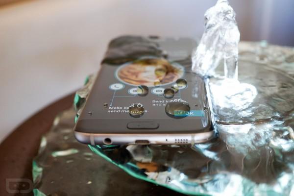 گوشی Samsung Galaxy S7 در تست ضد آب بودن شکست خورد