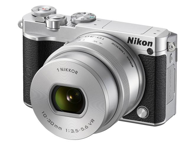 نیکون از دوربین بدون آینه ۱ J5 رونمایی کرد