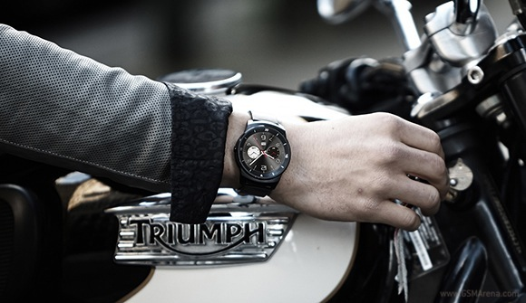 ساعت هوشمند LG G Watch R با صفحه نمایش کاملاً P-OLED رونمایی می شود