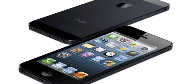 """شرکت اپل میگوید بیش از 5 ملیون نسخه از """"آی فون5″را به فروش رسانده است"""