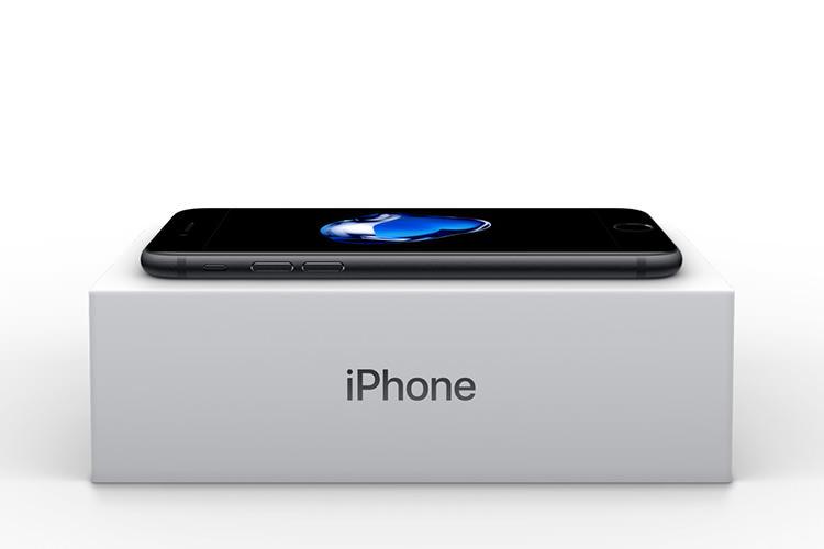 اولین گوشی آیفون ۷ امروز در ایران با قیمت ۸ میلیون تومان به فروش رسید