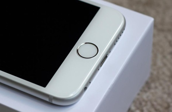 شرکت اپل به دنبال توسعه یک سیستم تشخیص چهره برای گوشیهای آیفون است